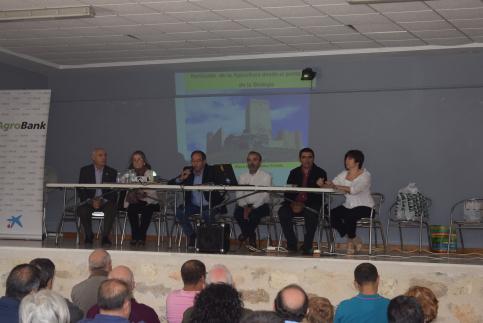 El Día de la Abeja aborda la problemática del sector ante más de 200 asistentes en Embid
