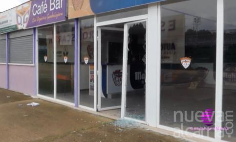 Roban y destrozan las oficinas del Pedro Escartín