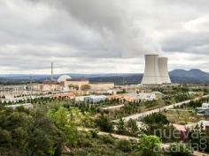 El Gobierno no prevé alargar la vida útil de las nucleares más de 40 años, obligando a cerrar antes de 2030
