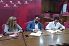 El Ayuntamiento firma los convenios para la cesión de espacios del Centro de Atención a la Diversidad Funcional