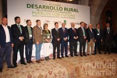 García-Page  y Latre reciben el Manifiesto de Sigüenza, 10 medidas para garantizar un futuro al medio rural