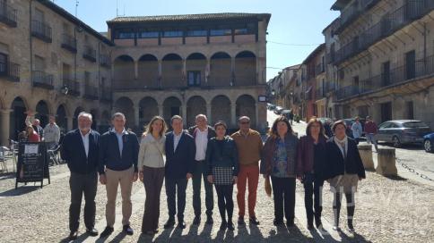 Page arropa a la candidata del PSOE a la Alcaldía de la Ciudad del Doncel