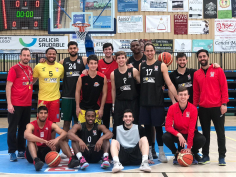 Un enchufado Isover Basket Azuqueca sorprende al Marín Peixe Galego en A Raña (77-101)