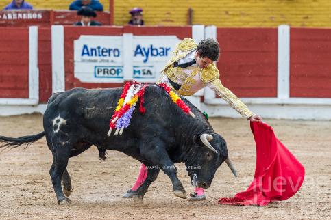 La clase de Víctor Hernández con un importante novillo de Polo Sáiz