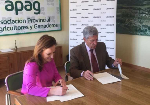 APAG y Liberbank se unen para facilitar la tramitación de la PAC a agricultores y ganaderos