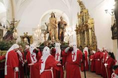 Pastrana celebra su procesión de Jueves Santo en el interior de la colegiata