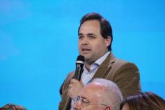 Núñez cree que el bipartidismo se va a