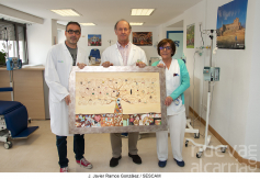 Donado un cuadro para decorar el Hospital de Día Onco-Hematológico