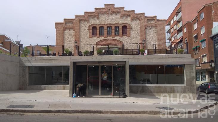 El Mercado De Abastos Abre Al Público Su Explanada Exterior