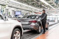 Huelga indefinida en Mercedes-Benz Azuqueca desde este lunes