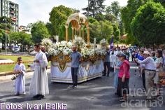 Color, calor y mucho fervor en la procesión del Corpus Christi por las calles de Guadalajara