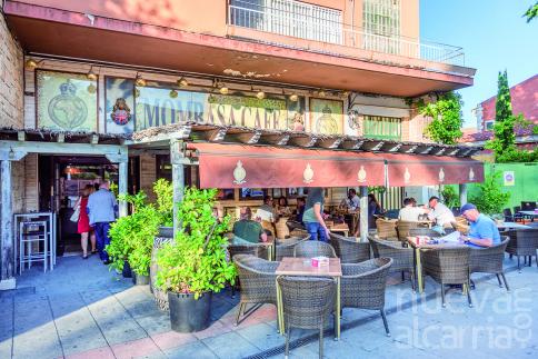 Mombasa Café, un lugar de encuentro para gente de todas las edades