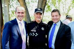 El alcalde, Alberto Rojo, reconoce la labor de Julio Establés durante 37 años