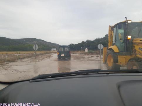 Reabre al tráfico la CM-2028 a su paso por Fuentelencina que amaneció completamente anegada
