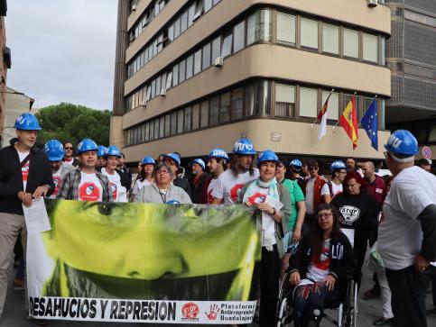 Activistas de PAH de Guadalajara declaran que fueron al desalojo de Safira Sánchez a defender su derecho a una vivienda