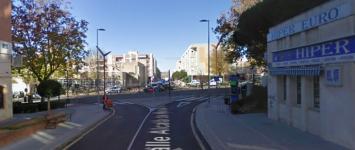Fallece un hombre dentro de su vehículo en plena calle Alcalá de Henares