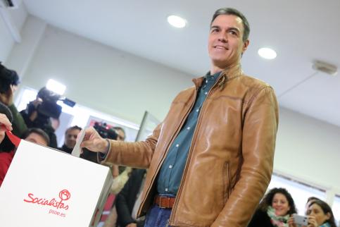El 92% de las bases del PSOE avalan la coalición con Podemos en una consulta con el 63% de participación