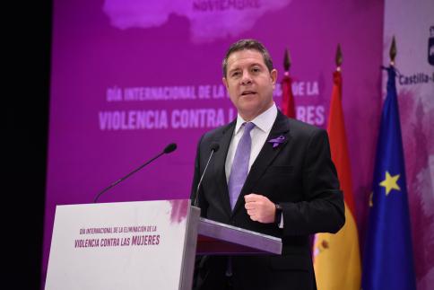 """García-Page reivindica """"la vida frente a cualquier ideología política"""""""