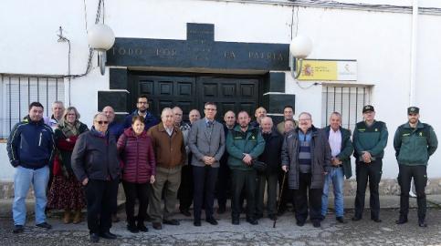 El subdelegado del Gobierno visita el cuartel de la Guardia Civil de Jadraque y se reúne con los alcaldes de la zona