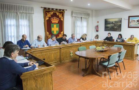 El pleno de Marchamalo pide a la Junta que priorice la circunvalación de la CM-1002 y el desdoblamiento de la CM-101