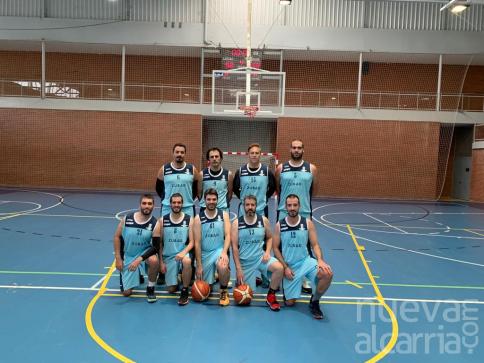La liga provincial de Baloncesto vivió un ajustadísimo partido entre Salesianos y Valdeluz