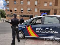 La policía desbarata un punto de venta de droga en la calle Cuba de Guadalajara