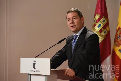 Page cumple su palabra y avanza que C-M reclamará a Sánchez el pago del IVA aunque espera que haya