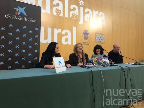 Unos 1.200 escolares asisten en Guadalajara al espectáculo familiar Clarinetarium, organizado por La Caixa