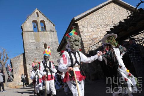 Botargas y mascaritas toman Almiruete y los Vaquillones, Villares de Jadraque