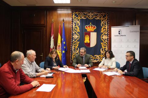 El Gobierno regional presenta a los agentes económicos y sociales de Guadalajara el Plan Adelante 2020-2023