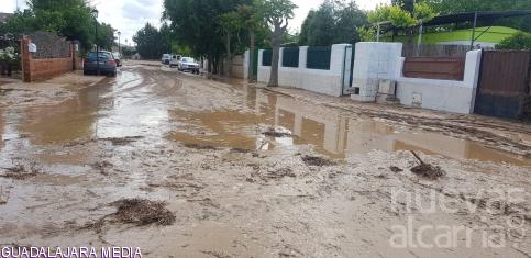 Dos familias desalojadas en Hita tras inundarse sus viviendas por el desbordamiento del río Badiel