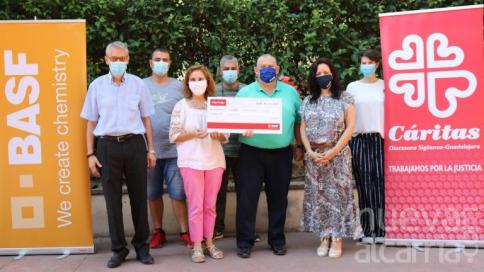 Los colaboradores de BASF recaudan 2.000 euros para Caritas Guadalajara