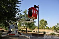 Yebes instala lámparas LED en 68 farolas de Valdeluz en la quinta fase del plan de renovación del alumbrado público