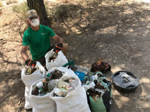 Las patrullas Covid de Geacam recogen más de 1.530 kilos de basura en áreas naturales y recreativas de la provincia