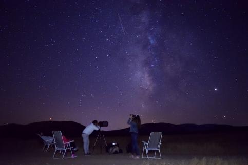 Astroturistas seducidos por el cielo desde Cabañeros, otra forma de conocer nuestra tierra