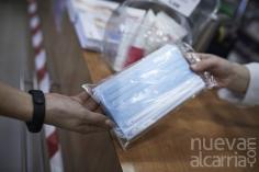 El Gobierno acuerda bajar el precio máximo de venta de las mascarillas quirúrgicas de 0,96 a 0,72 euros