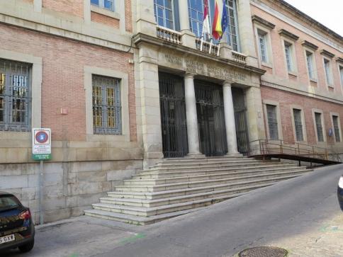 Castilla-La Mancha lleva siete meses pagando las facturas a sus proveedores 10 días antes que la media de las regiones