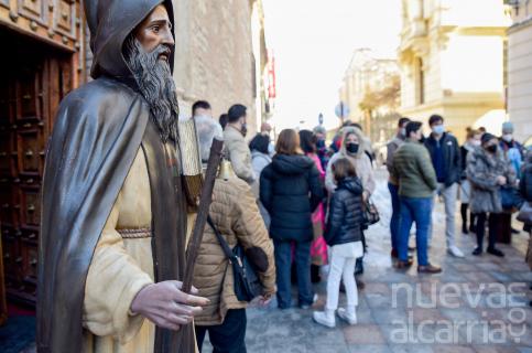 San Antón bendice un año más a las mascotas de los guadalajareños pese a la pandemia y el frío