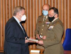 Juan Garrido Cecilia, presidente de la Fundación Siglo Futuro, nombrado embajador de la Marca Ejército
