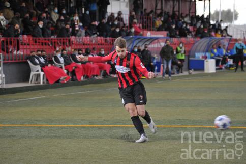 El Azuqueca reacciona tarde y no puede remontar el gol tempranero del Torrijos