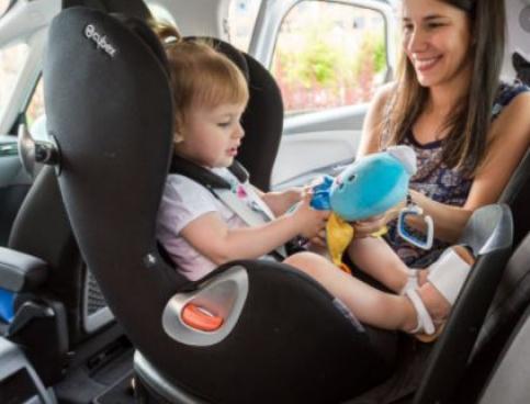 Campaña de la DGT sobre uso del cinturón de seguridad y sistemas de retención infantil