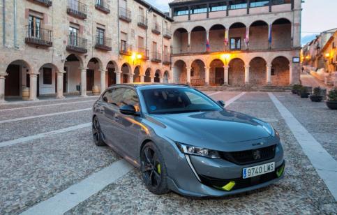 El patrimonio de Sigüenza salta a los medios nacionales de la mano de Peugeot
