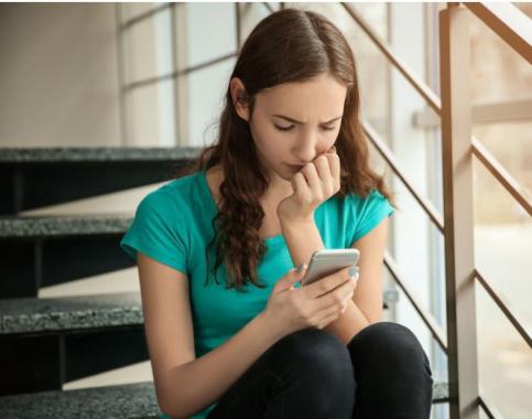 ¿Los jóvenes controlan el uso del móvil?