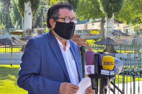 El Ayuntamiento invierte 150.000 euros en las obras de remodelación de la piscina de San Roque, que comenzarán en otoño