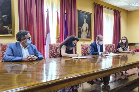 El Ayuntamiento renueva su apoyo al Seminario de Literatura Infantil y Juvenil como emblema cultural de la ciudad