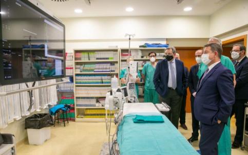 García-Page conoce los últimos avances tecnológicos adquiridos para el Hospital de Guadalajara