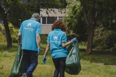 Voluntarios de CaixaBank en Guadalajara recogen cerca de 600 kilos de residuos en el Parque El Sotillo
