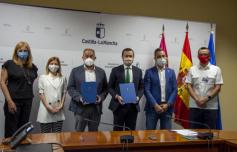Junta y UCLM firman un convenio para la creación de la 'Cátedra de Economía Circular'