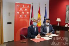 El Ayuntamiento de Azuqueca y MicroBank firman un convenio de colaboración para incentivar el autoempleo y la actividad emprendedora
