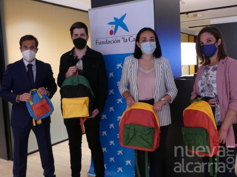 """Cerca de 1.500 escolares de Guadalajara en situación de vulnerabilidad vuelven a clase con nuevo material escolar gracias a la Fundación """"la Caixa"""" y CaixaBank"""